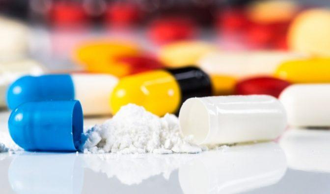 Un înalt oficial britanic anunță că rezistența la antibiotice este mai periculoasă decât schimbările climatice