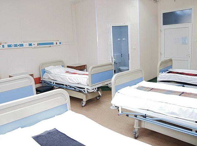 DESCINDEREA autorităţilor la Spitalul de Urgenţă pentru Copii din Cluj-Napoca - Deputatul Ungureanu acuza că s-ar fi dat la cină pateu cu viermi